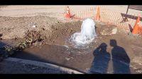 |VIDEO| ¿Nueva fuente pública? Vecinos indignados reclaman la presencia de Aguas del Norte