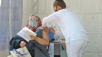 Se aprobó una vacuna contra el COVID-19 que mostró eficacia frente a las nuevas variantes