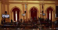 |URGENTE| Suspendieron la sesión y aislaron a las autoridades de la Cámara de Diputados