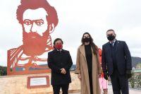 Autoridades provinciales inauguraron una escultura en honor a Martín Miguel de Güemes