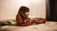 Salteñitas sufrían abusos constantes por parte de su padrastro, pero su mamá no les creyó