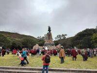 Comenzó la congregación de gauchos al pie del Monumento a Güemes