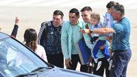 LLegada de algunos jugadores a Rosario. Fotos Télam, gentileza José Granata