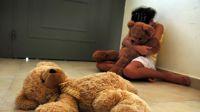 Horror en el interior salteño: entregaba a la hijita de su pareja al vecino y juntos la sometían sexualmente