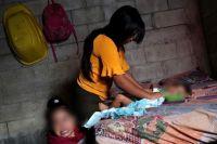 """Preocupan las """"niñas-madres"""" en Salta: """"Cuando inician su ciclo menstrual, sus padres hacen una dote"""""""